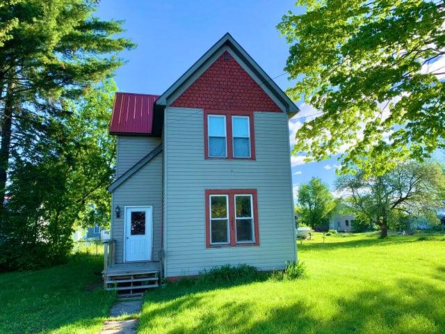 1005 Maple ST, Sault Ste Marie, MI 49783