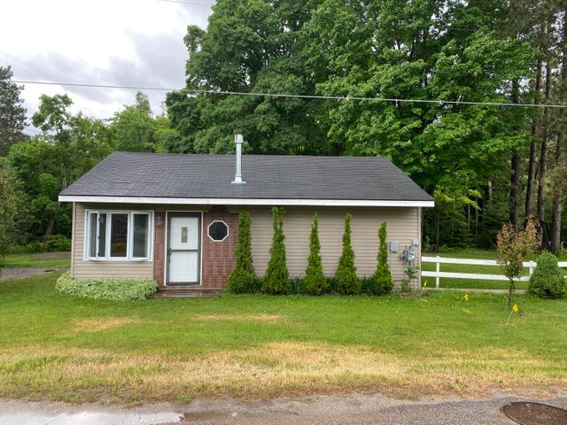 2 bed 1 bath home, brimley Mi , Large yard. On a ravine create great privacy- updated bathroom, new Anderson windows-