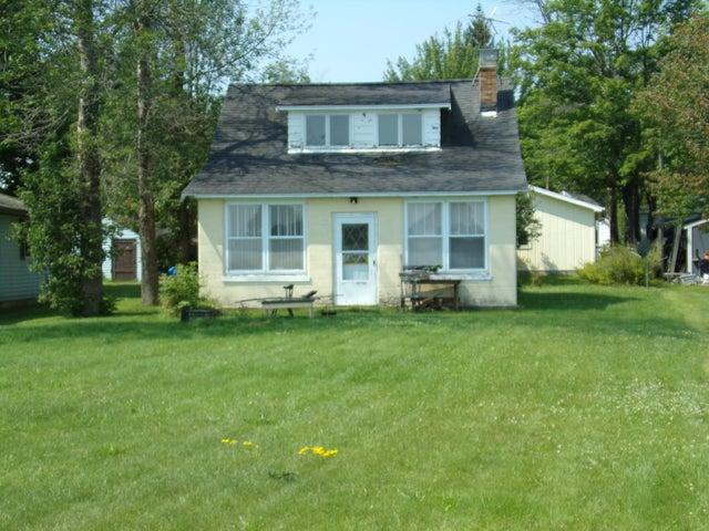 13819 S Cottage RD, Barbeau, MI 48710