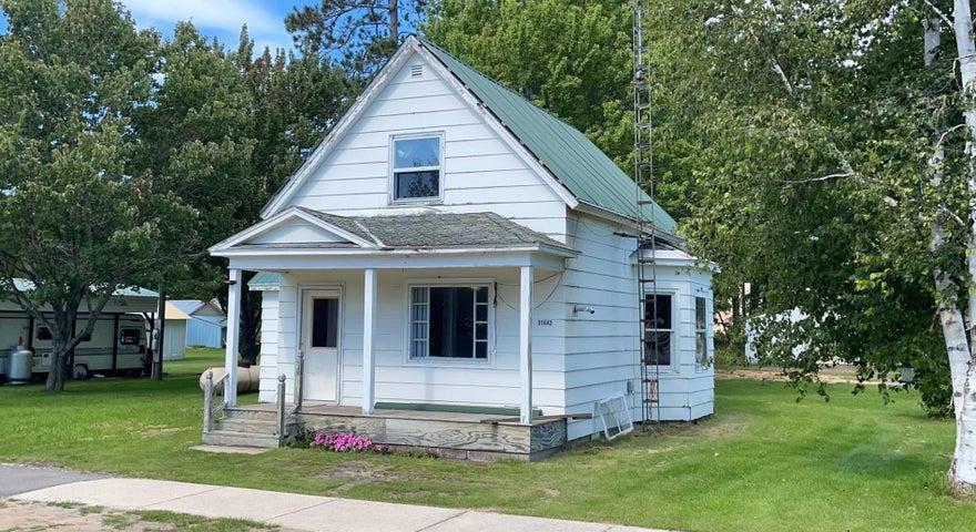 31642 W Front ST, Trout Lake, MI 49793