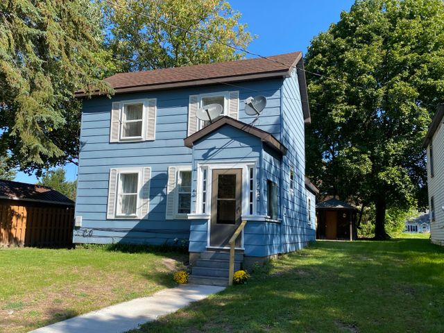 3 bed 1 bath starter home - located in downtown SSM - Seller will consider all government guaranteed loans - Perfect starter home under 100,000 l