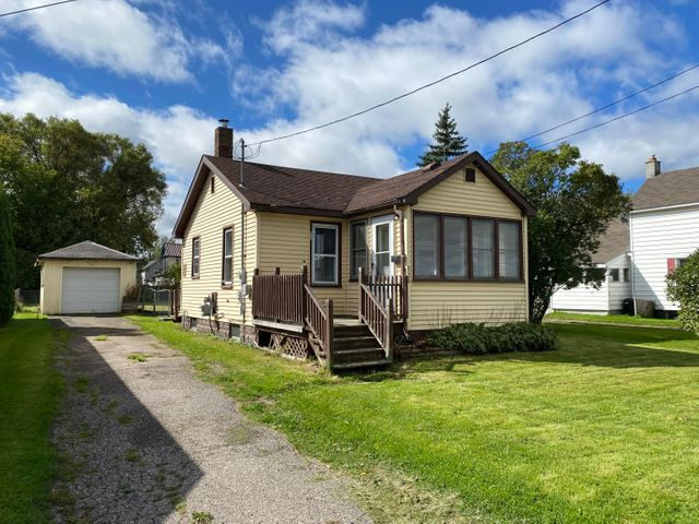 928 E Portage AVE, Sault Ste Marie, MI 49783