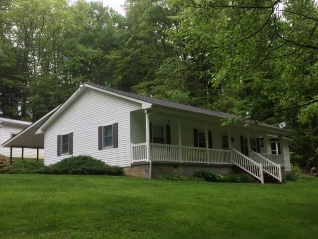 195 UNDERWOOD RD, Mt. Lookout, WV 26678