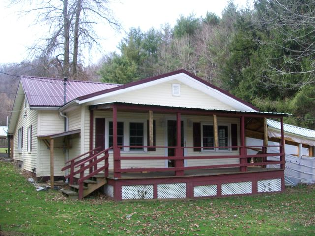 55 Colonial Drive, Summersville, WV 26651