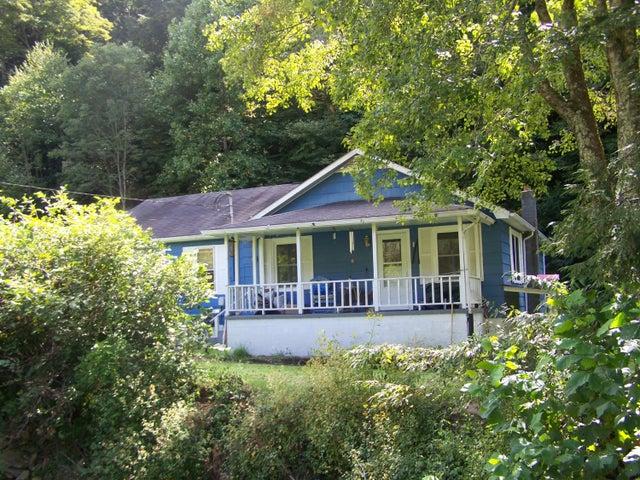 366 White Water Road, Summersville, WV 26651