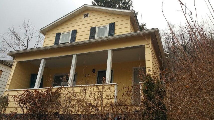 27 E Walnut Street, Richwood, WV 26261
