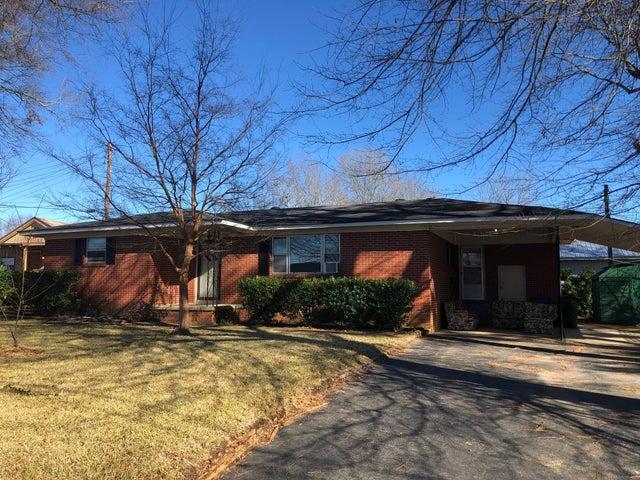 102 S Smith Street, Booneville, MS 38829