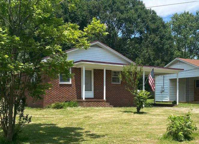 1707 Holly Street, Corinth, MS 38834