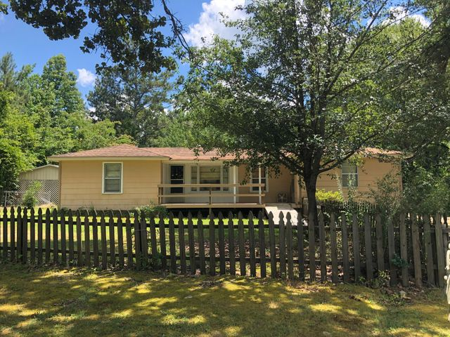 1607 S Lake Street, Booneville, MS 38829