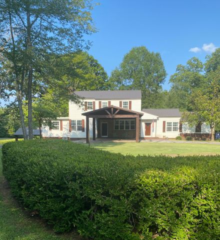 Beautiful 4300. sw ft home with 19 acres