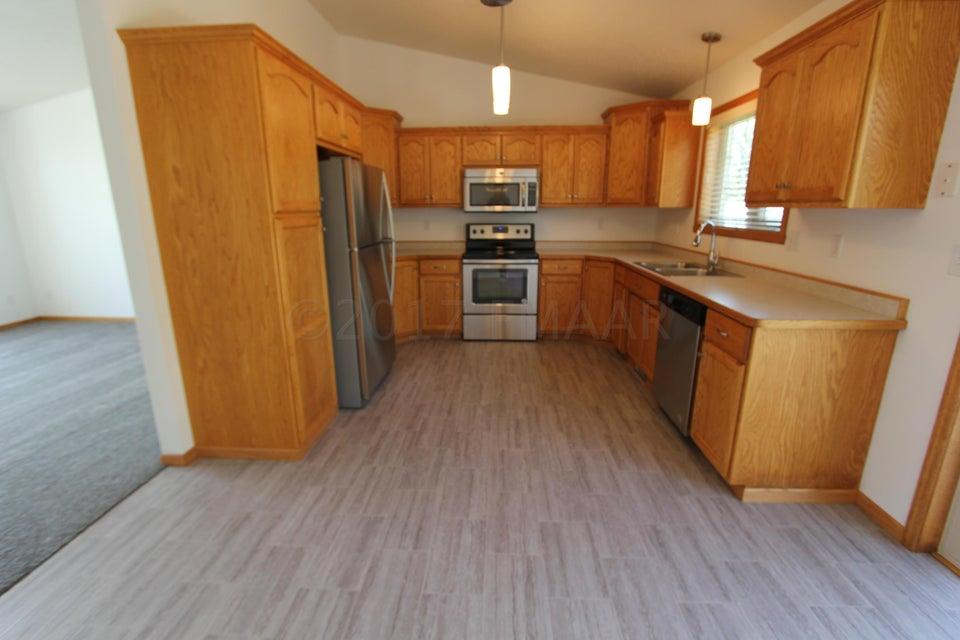 1123 N 18TH Street, Moorhead, MN 56560
