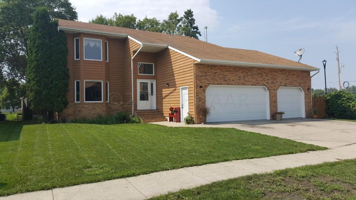 3144 N 9 1/2 Street, Fargo, ND 58102