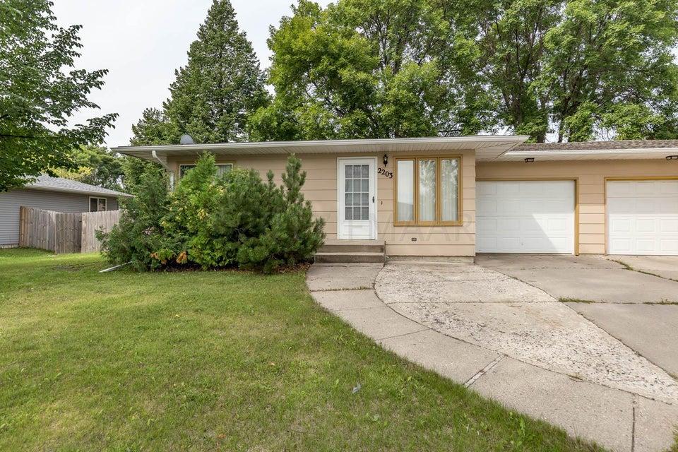 2203 S 15 Street, Fargo, ND 58103