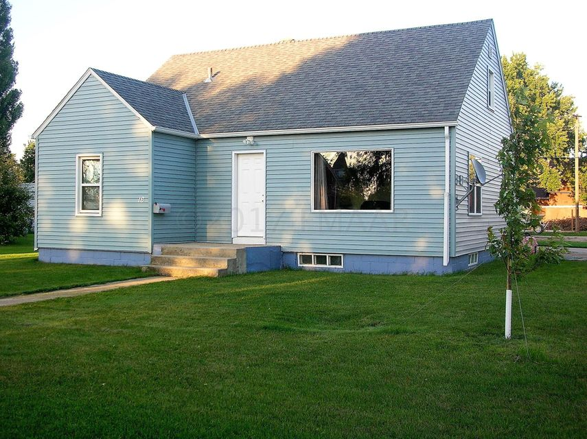 16 N 10TH Street, Oakes, ND 58474