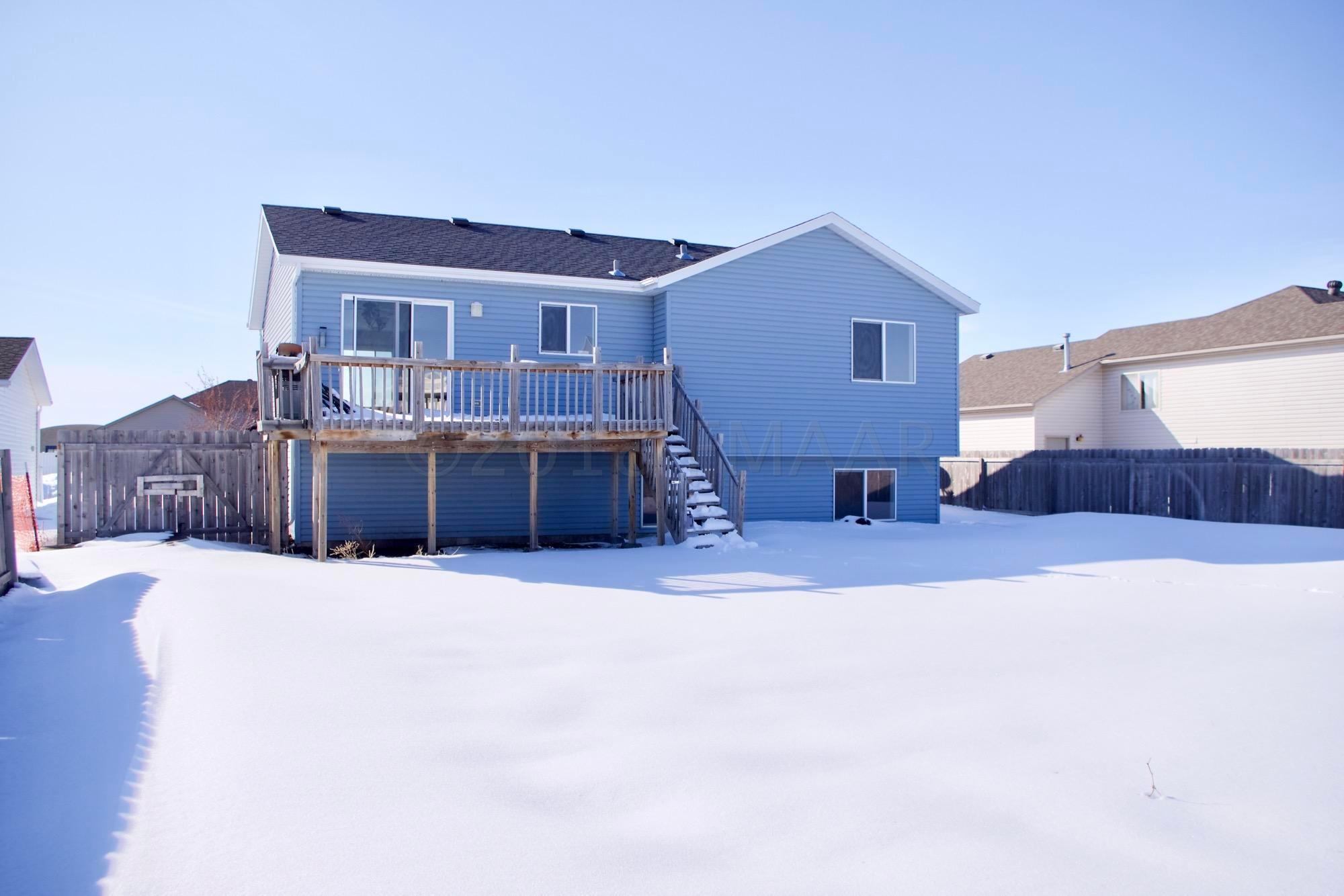 3409 8 Th Street W, West Fargo, ND - USA (photo 2)