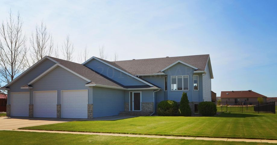 485 SEDONA Drive N, West Fargo, ND 58078