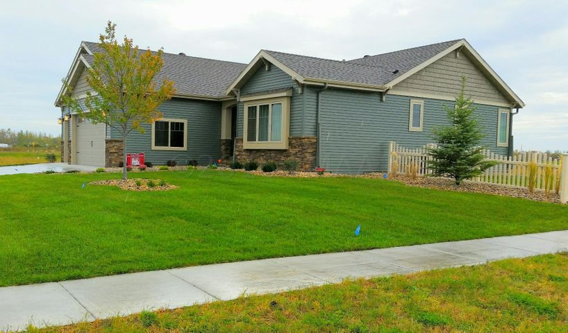 4722 LILAC Dr, West Fargo, ND 58078