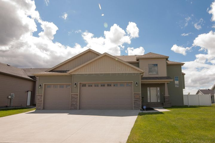 3032 7TH Street E, West Fargo, ND 58078