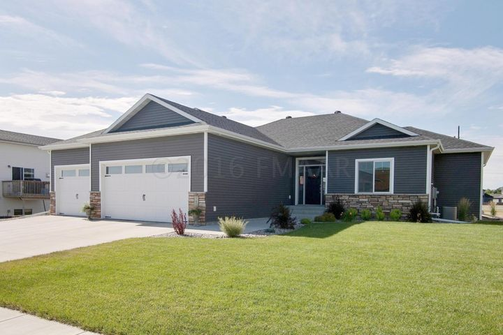 163 31 Avenue E, West Fargo, ND 58078