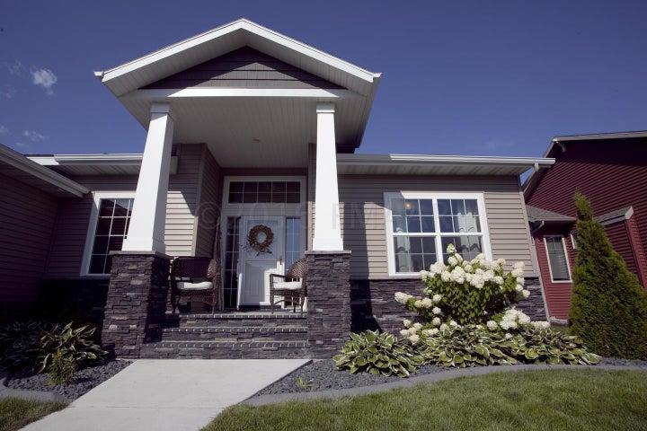 3736 HIDDEN Circle, West Fargo, ND 58078