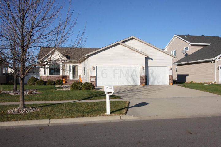 138 15 Avenue E, West Fargo, ND 58078