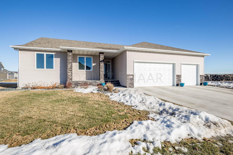350 38 Avenue E, West Fargo, ND 58078