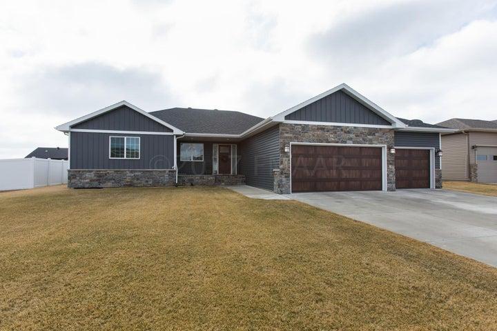 4719 6 Street W, West Fargo, ND 58078