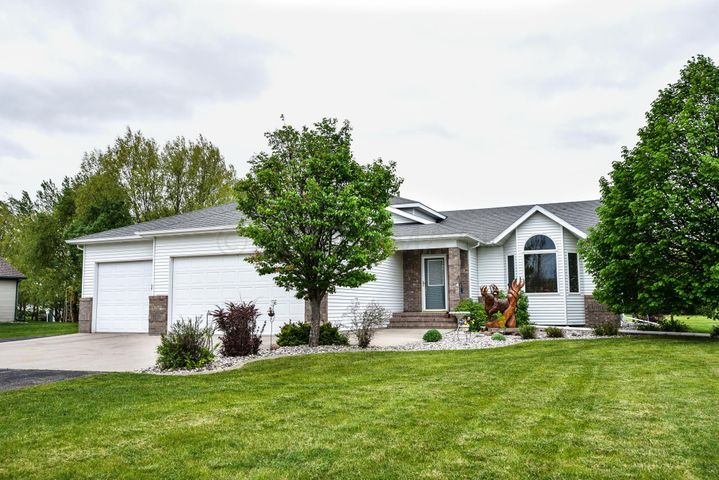 1301 LIBRA Lane, Fargo, ND 58104