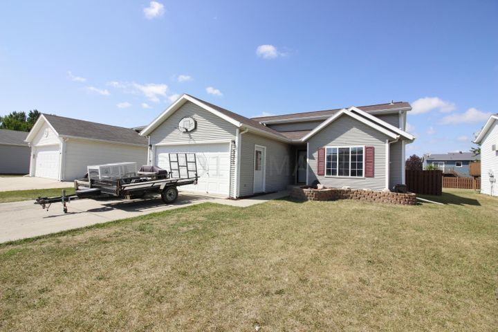 932 15TH Avenue W, West Fargo, ND 58078