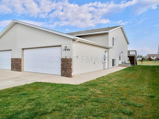 1026 38 1/2 Avenue W, West Fargo, ND 58078