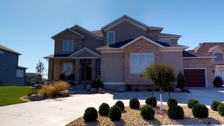 539 LIZZIE Place E, West Fargo, ND 58078