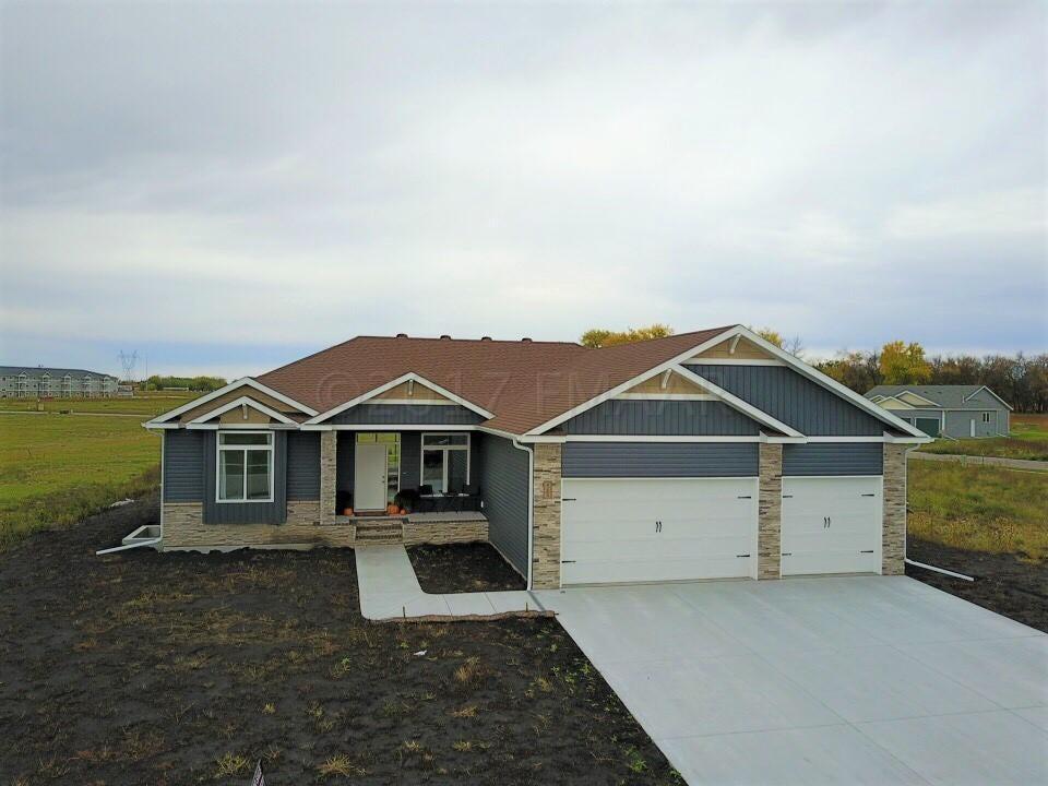 4209 BRISTLECONE Loop S, Fargo, ND 58104