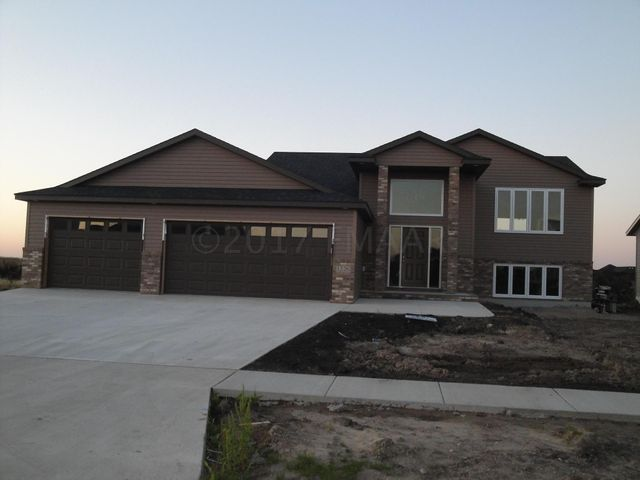 1226 LEGION Lane W, West Fargo, ND 58078