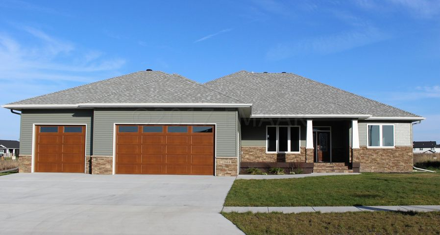 944 51 Avenue W, West Fargo, ND 58078