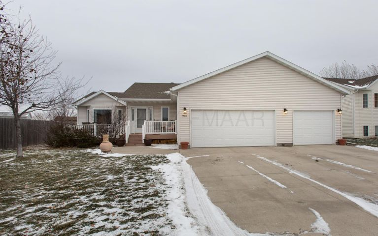 916 16 Avenue W, West Fargo, ND 58078