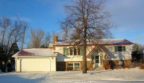 905 GLENWOOD Drive, Oakes, ND 58474