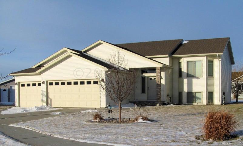 1518 44TH Avenue S, Moorhead, MN 56560