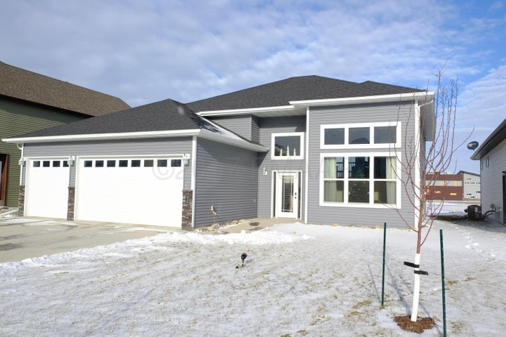 234 34 Avenue E, West Fargo, ND 58078