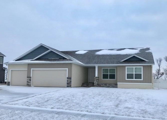 1463 71 Avenue S, Fargo, ND 58104