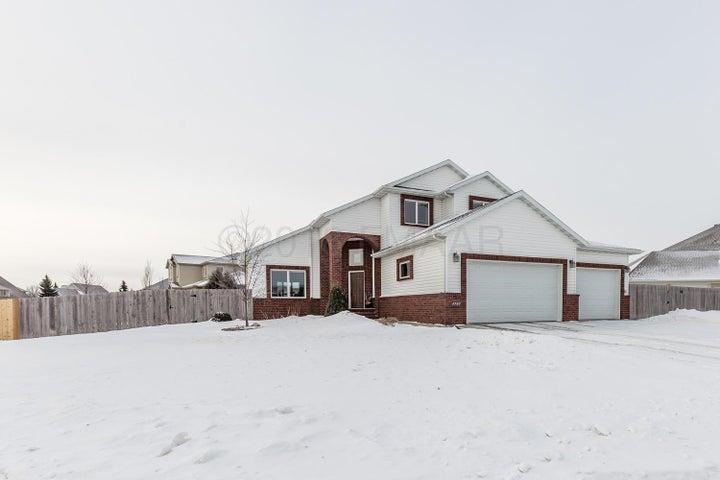 4732 DOUGLAS Drive S, Fargo, ND 58104