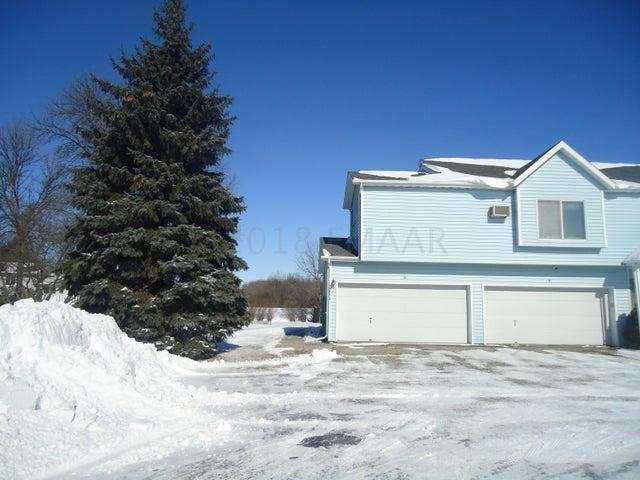 3711 10TH Street N, Fargo, ND 58102