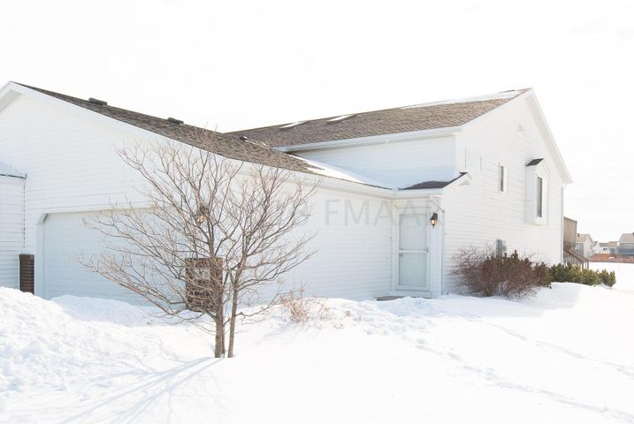 1078 Parkway Drive, West Fargo, ND 58078