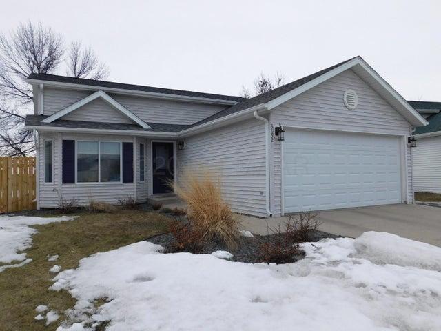3652 10 Street N, Fargo, ND 58102