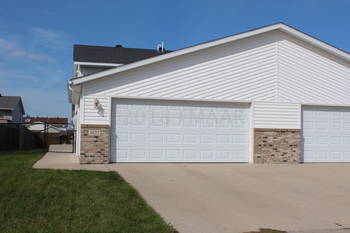 1022 42ND Avenue W, West Fargo, ND 58078