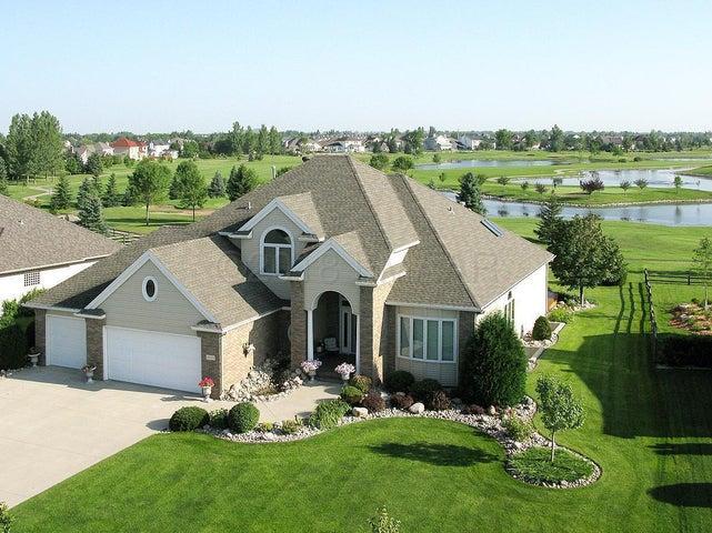 2209 ROSE CREEK Boulevard S, Fargo, ND 58104