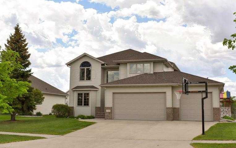 4385 58 Street S, Fargo, ND 58104