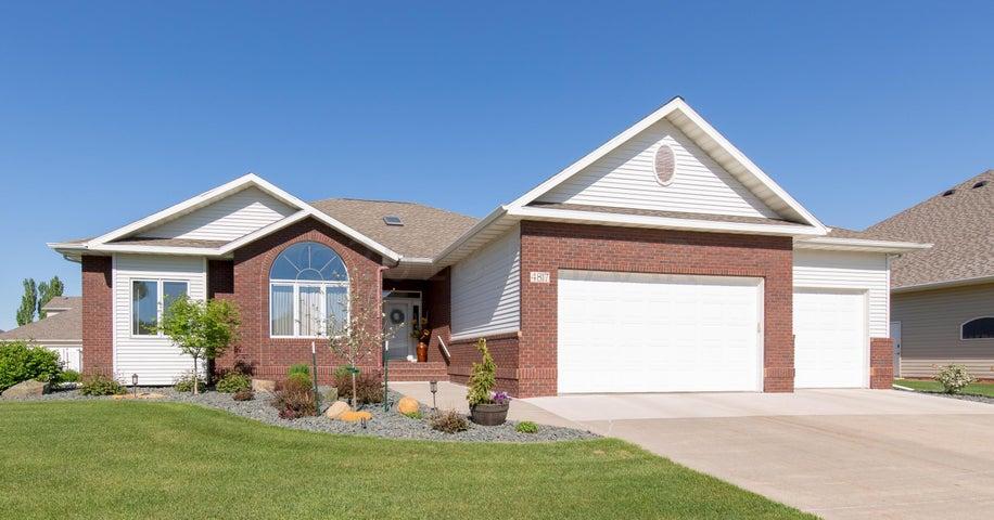 4817 MEADOW Creek S, Fargo, ND 58104