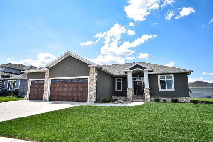 4710 6 Street W, West Fargo, ND 58078
