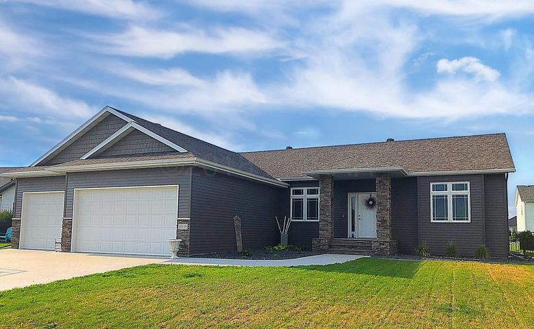 4839 ABBY Way, Moorhead, MN 56560