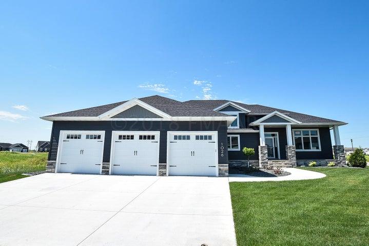 1026 HICKORY Lane, West Fargo, ND 58078